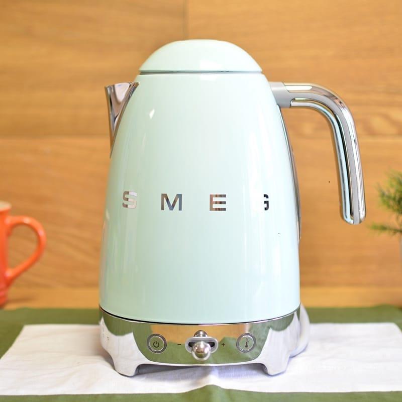 スメッグ 電気ケトル 温度計付 温度調節可能 レトロスタイル Smeg KLF02 50's Retro Style Variable Temperature Kettle 家電