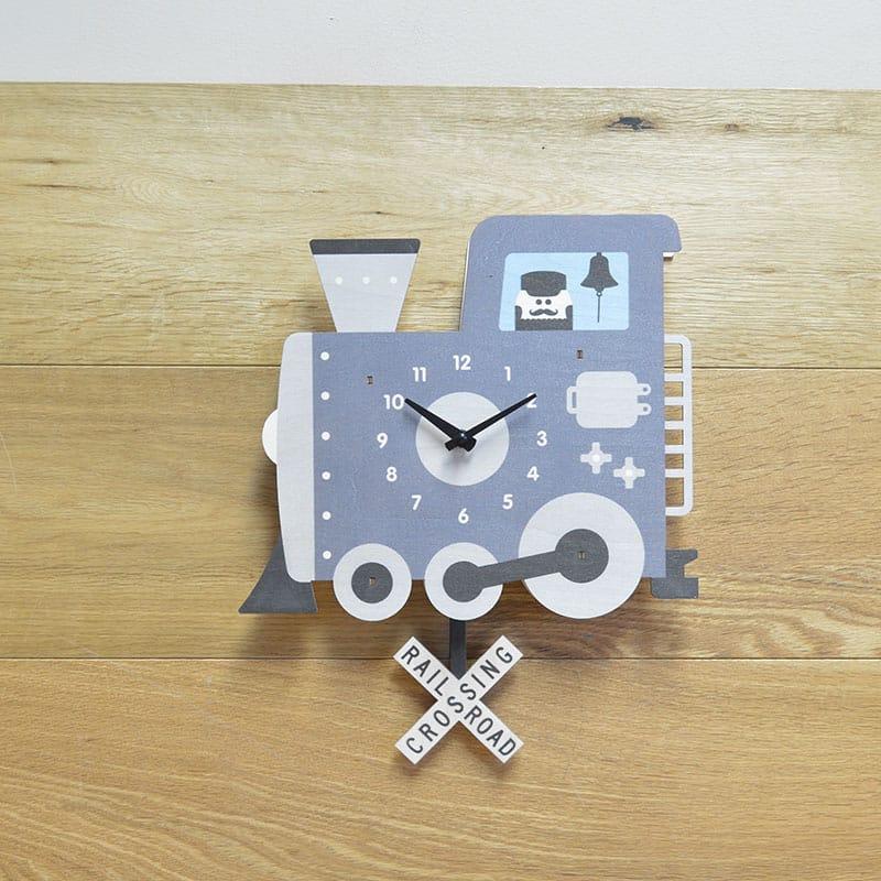 ウォールクロック 木製 振り子時計 壁掛け時計 機関車 汽車 Modern Moose Train Pendulum Wall Clock