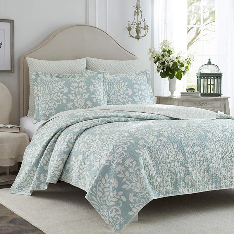ローラアシュレイ キルト 枕カバー2枚セット リバーシブル コットン 花柄 ブルー ホワイト Laura Ashley Rowland Blue Quilt Set