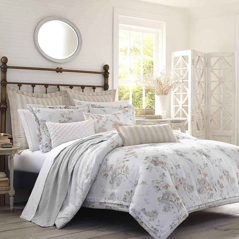ローラアシュレイ コットン リバーシブル コンフォーター 枕カバー2枚セット 花柄 ナチュラル Laura Ashley Lorene Comforter Set, Natural