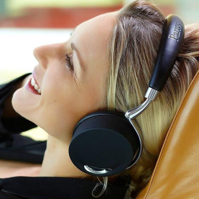 タッチ アクティベート Bluetooth ヘッドフォン ZIK Touch-Activated Bluetooth Headphones