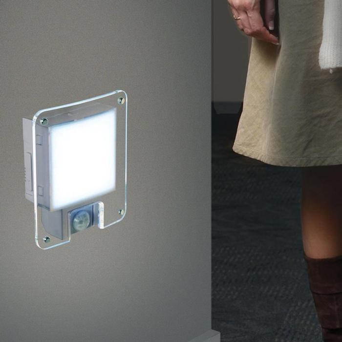 センサーライト ZenLight Motion-Sensitive LED Light