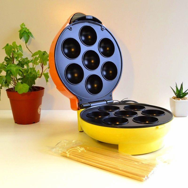 ノスタルジア ドーナツ・ボール・メーカーNostalgia electrics JFD-100 Cake Pop & Donut Hole Bakery
