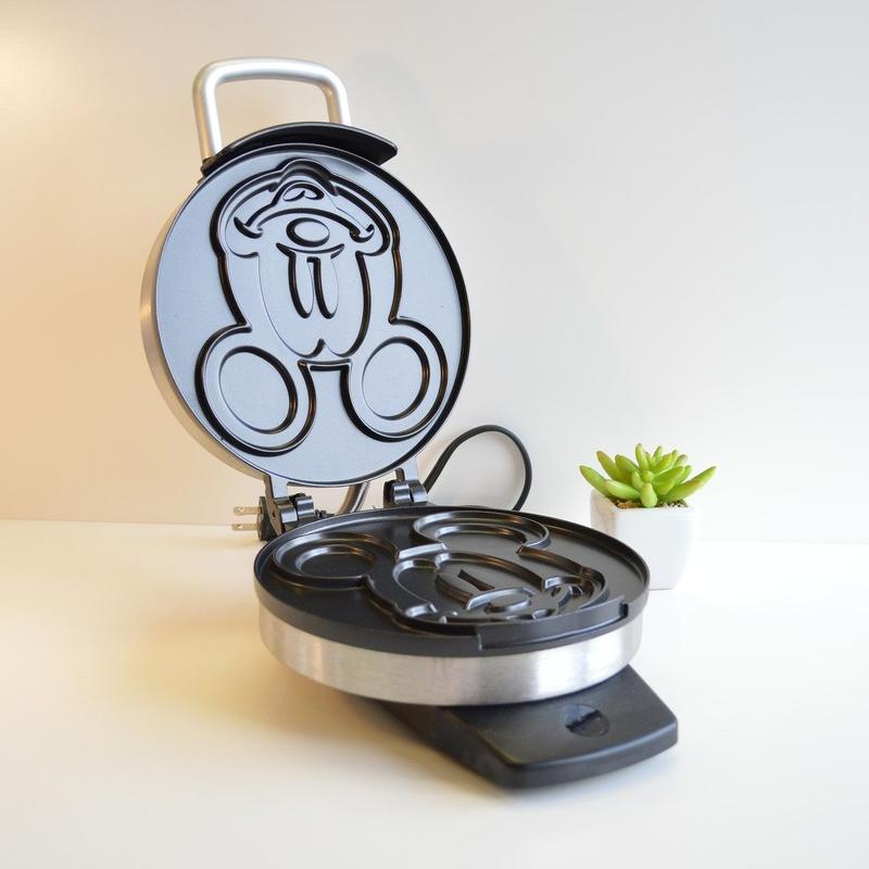 ディズニー クラシック ミッキーマウス ワッフルメーカーDisney DCM-1 Classic Mickey Waffle Maker, Brushed Stainless Steel