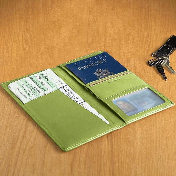 革製 パスポートケース 航空券 ID 現金 グリーン Royce Leather Ticket and Passport Holders Key Lime Green