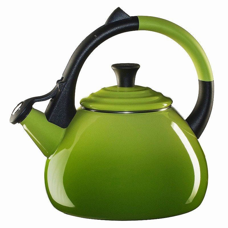 ルクルーゼ ウーロン 笛吹きケトル やかん パーム 緑色 1.5L Le Creuset Enameled Steel Oolong Tea Kettle, 1.6-Quart, Palm