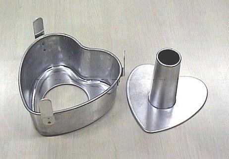 시폰 케이크 하트형 17 cm (cakeland) 케이크 랜드의 빵 만들기 도구 과자 만들기 도구 조리 도구(제빵 도구/제과 도구/조리 도구) 빵이나 과자 만들어에 활약하는 도구입니다.