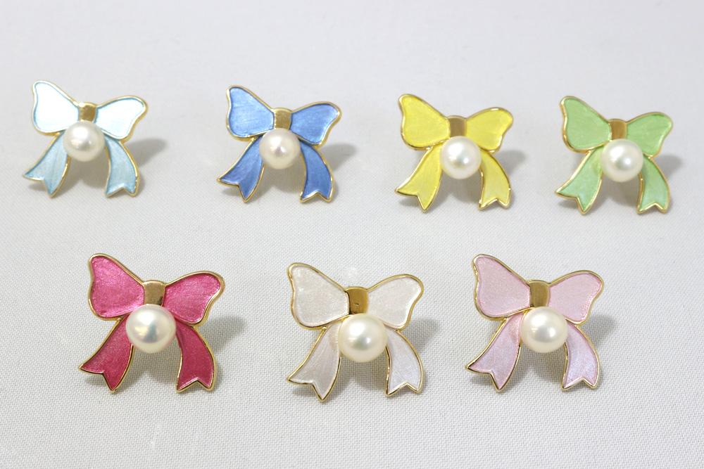 伊勢の真珠専門店パラディがお届け パール 真珠 ブローチ リボン ボタン型 5.5mm ピンブローチ 7色 金メッキ