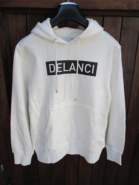 DELANCIデランシーロゴパーカー white