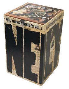 【送料無料】NEIL YOUNG / NEIL YOUNG ARCHIVES 1 (1963-1972) (輸入盤DVD) (ニール・ヤング)