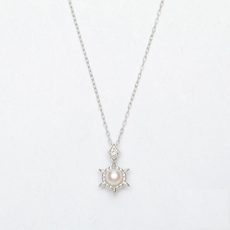 洗練された個性的なシェイプが目を惹くパールネックレス K10WG アコヤ真珠ペンダントPN3 qikara パールネックレス 送料無料 日本未発売 誕生日プレゼント ギフト 真珠ネックレス