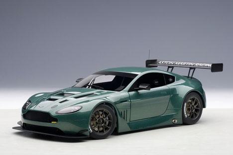 コンポジットモデル 1/18 アストンマーチン V12 ヴァンテージ GT3 2013 (メタリック・グリーン)[オートアート]《取り寄せ※暫定》