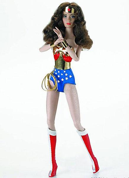 DCコミックス/ ワンダーウーマン 16インチ ドール[マダムアレクサンダードールカンパニー]【送料無料】《在庫切れ》