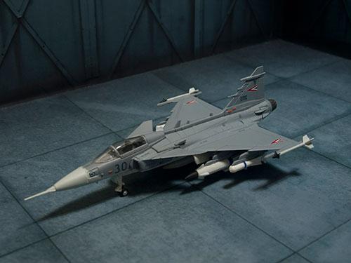 Refinement Model Kit Series 1/144 JAS39 Gripen Hungarian Plane Plastic Model(Back-order)(リファインメント・モデル・キット・シリーズ 1/144 JAS39 グリペン ハンガリー機 プラモデル)