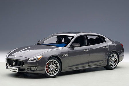 1/18 ダイキャスト・モデルカー(シグネチャーシリーズ) マセラティ クアトロポルテ GT S(グレー)[オートアート]【送料無料】《取り寄せ※暫定》