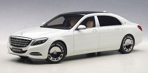 コンポジットモデル 1/18 メルセデス・マイバッハ S 600 (ホワイト)[オートアート]《取り寄せ※暫定》