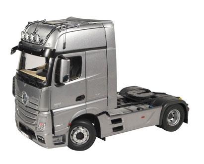 1/18 メルセデスベンツ アクトロス ギガスペース 4×2 トラック トラクター FH25 (シルバー)[NZG]【送料無料】《在庫切れ》