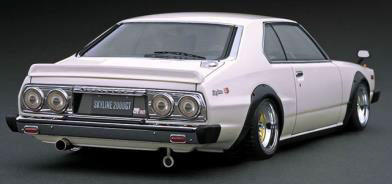 1/18 日産 スカイライン 2000GT-ES (C210) Metallic White/Purple[イグニッションモデル]【送料無料】《発売済・在庫品》
