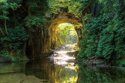 ジグソーパズル 日本風景 光差す濃溝の滝千葉 1000ピース 10 1317やのまん在庫切れあみあみ