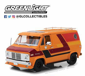1/18 1976 Chevy G-Series Van - Orange with Custom Graphics[グリーンライト]《08月仮予約》