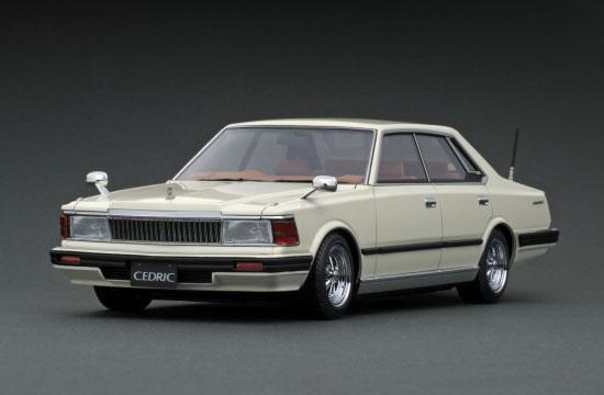 1/18 Nissan Cedric (P430) 4Door Hardtop 280E Brougham White[イグニッションモデル]【送料無料】《01月予約》