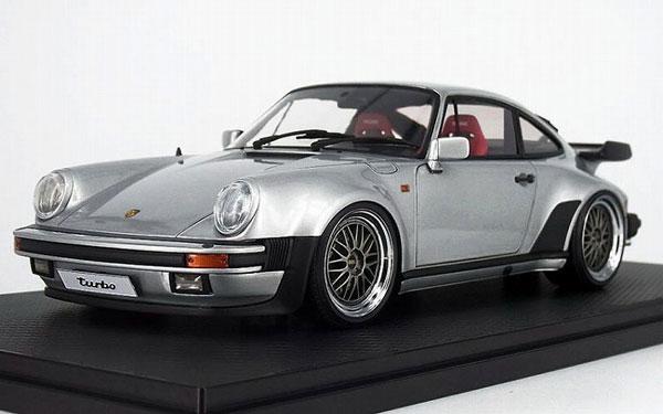 1/18 Porsche911 (930) Turbo Silver[イグニッションモデル]【送料無料】《03月予約※暫定》