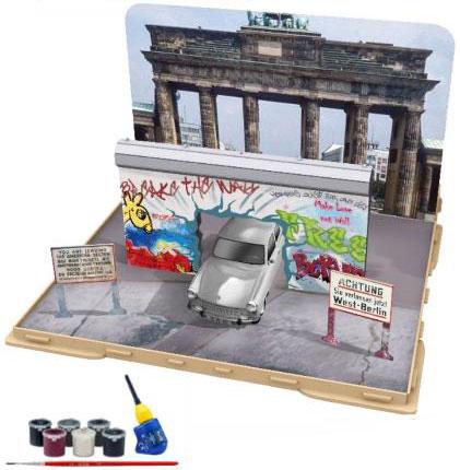 1/24 トラバント 601S ベルリンの壁崩壊30周年記念 3Dパズル & プラモデル[ドイツレベル]《12月仮予約》