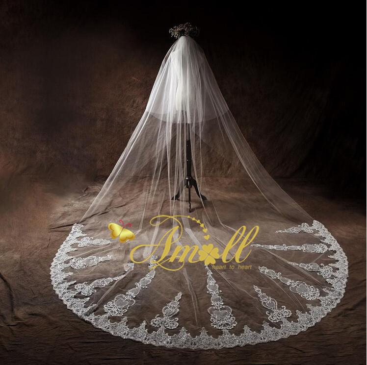スパンコールで豪華で輝くを実現超高級ロングベールです。ロングベール・フェイスアップ・ウェディングベール・ライダル・ウェディング・結婚式,人気,披露宴【オフホワイト】ブライズメイド