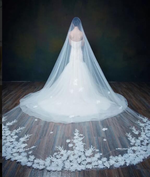 綺麗な刺繍に立体感がある小花飾りで豪華なロングベールです。ロングベール・フェイスアップ・ウェディングベール・ライダル・ウェディング・結婚式,人気,披露宴【オフホワイト】ブライズメイド