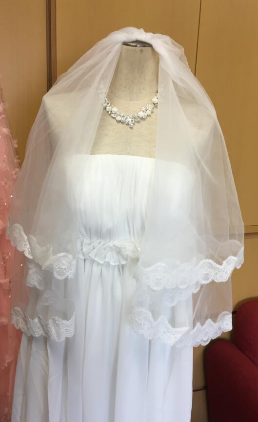 メール便で送料無料 トレンド クリアランスsale 期間限定 美しい縫製のウェディングベールになります 花柄レース縁取ウエディングベール フェイスアップベール ウェディングベール ブライズメイド オフホワイト