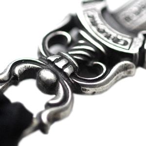 # 10 Dagger pendant