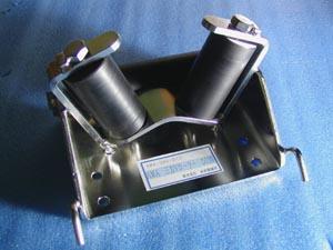 AMA ステンレス 三方 Vローラー D130 アンカーローラー