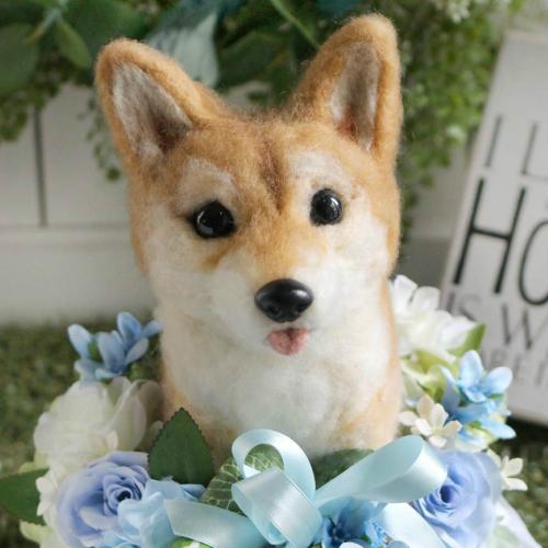 【オーダーメイド/柴犬】ペットそっくりのお人形【柴犬】うちの子トピアリー作家の『コイズミマサコ』の作品。ウェルカムドッグ 両親へのプレゼントにお誕生日、母の日、父の日、お祝いやお悔やみ、ペットロスギフトに最適!