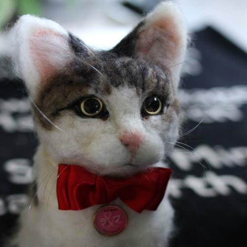 【オーダーメイド/ネコ/猫】ペットそっくりのお人形 【ネコ/猫】うちの子トピアリー作家の『コイズミマサコ』の作品。ウェルカムキャット 両親へのプレゼントにお誕生日、母の日、父の日、お祝いやお悔やみ、ペットロスギフトに最適