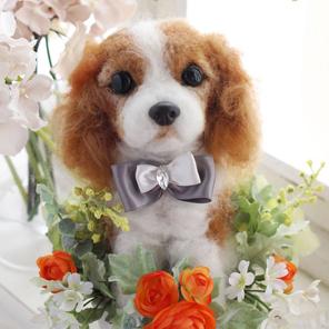 【オーダーメイド】ペットそっくりのお人形 うちの子トピアリー作家の『コイズミマサコ』の作品。ウェルカムドッグ 両親へのプレゼントにお誕生日、母の日、父の日、お祝いやお悔やみ、ペットロスギフトに最適