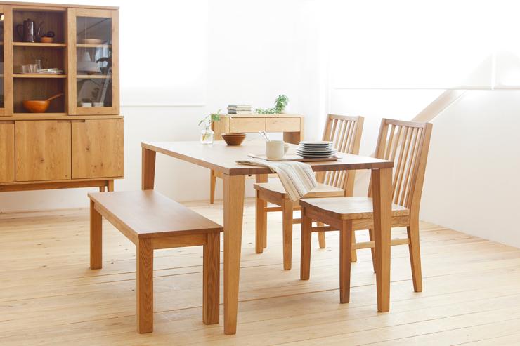 天然木の豊かで味わい深い質感に究極の心地よさを感じるダイニングテーブル[ウイング/120ダイニングテーブル]