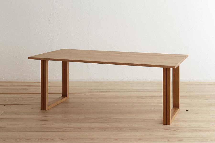 [送料無料][リベルタ-Liberta-140][天然木オーク無垢材][2本脚] 高級素材 ウレタン塗装 安心安全 スタイリッシュ シンプル ダイニングテーブル