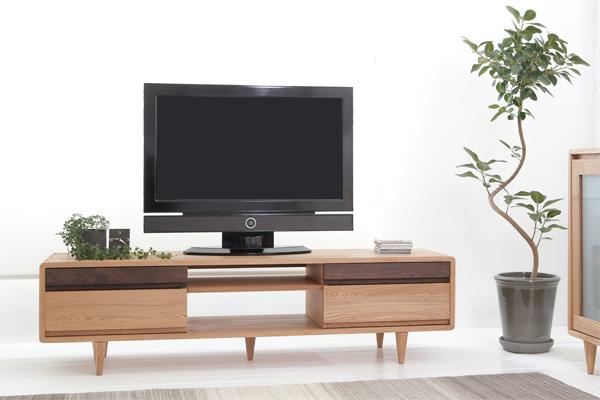 [送料無料]SYMPHONY[シンフォニー・W125]カジュアルで木のぬくもり漂う天然木無垢材のTVボード。家具に使われる材料の中でも人気のタモ材とウォールナット材を使い表現されたツートンカラーの演出は、大人気のおしゃれなTVボードに仕上げられました。