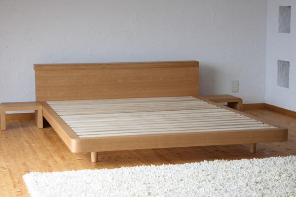 [ただいま送料無料!]天然木の表情と風合いを活かした美しい天然木タモ材化粧合板仕上げと北欧デザインのシンプルスタイル木製ベッド!ベッドでくつろぐためのフレームデザイン♪シングル・フレームのみ[Renon/NA/S/F]