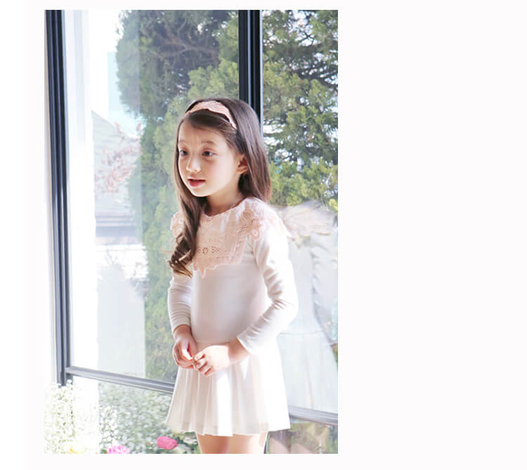 Angel Luna It Is Trainer Y In Formal Casual Clothes Presentation
