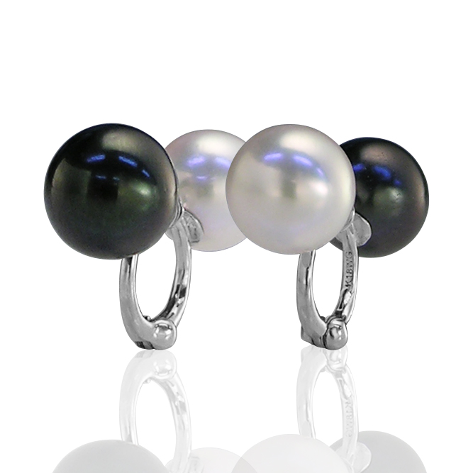 K18WG白黒あこや真珠リバーシブルピアリング 正規品
