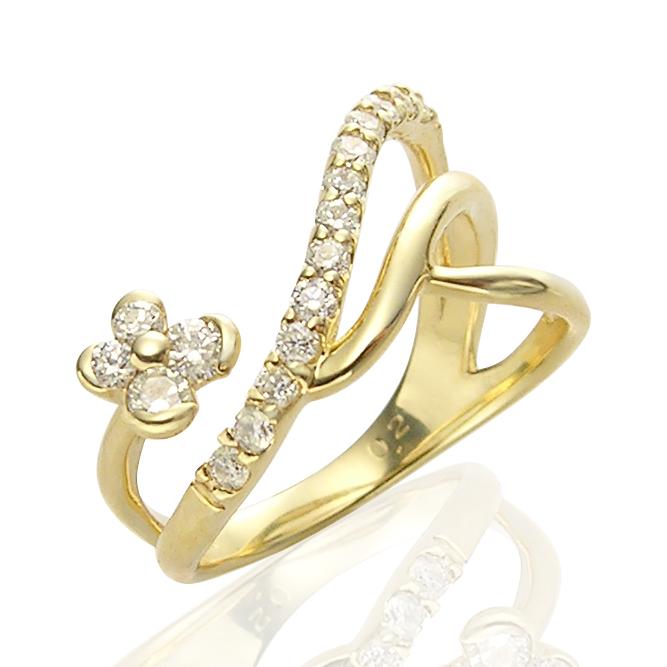 指の間にダイヤモンドお花が咲いた♪K18ダイヤモンドピンキーリング(0.21ct)