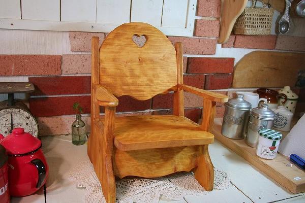 ナチュラル ハートの木製ベビーチェア ひのき 受注製作