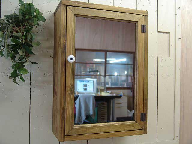 ミラー扉の木製キャビネットシェルフ 全面鏡 背板つき マグネットタイプ(35×15×49cm) アンティークブラウン アンティーク調 受注製作