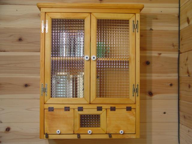 ナチュラル フランス製チェッカーガラスの木製壁掛けキャビネット ひのき 受注製作