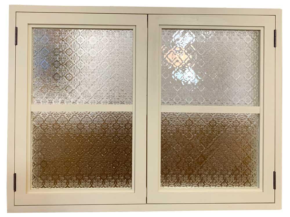 室内窓 アンティークホワイト フローラガラス扉 内側のみアイアン取手 マグネット仕様 80×60cm 扉厚み3cm 木製 ひのき ハンドメイド オーダーメイド 1327933