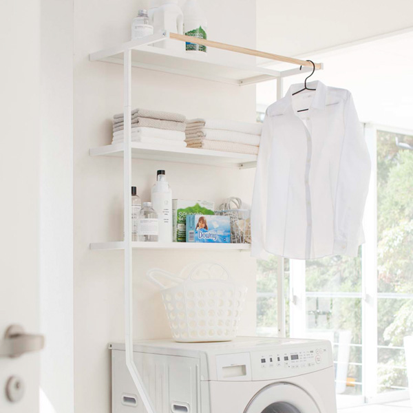 tower leaning laundry shelf / tower
