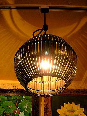 バンブー ペンダント ランプ ボール型 ライト 照明 D.25cm アジアン バリ タイ エスニック 雑貨 お洒落 インテリア ダウンライト 間接照明