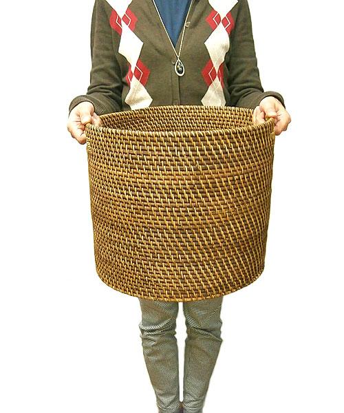 ラタンの持ち手付きバスケット円筒型 Sサイズ[W.31cm]【収納 ボックス】 アジアン 雑貨 バリ 雑貨 タイ 雑貨 アジアン インテリア