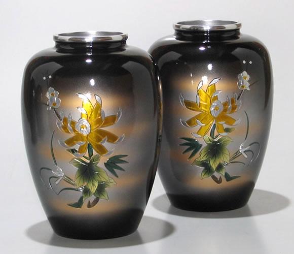 太夏目型菊四君子彫金6号(一対) 仏壇用花瓶|アルミ製花瓶 仏壇 花瓶